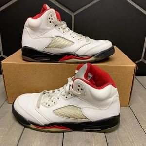 Air Jordan 5 Retro GS Fire Red 2013 Shoe Size 6Y